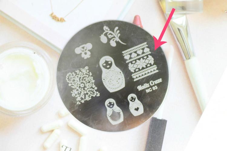 mix-match-winter-nail-art-4
