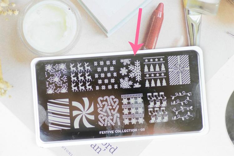 mix-match-winter-nail-art-5