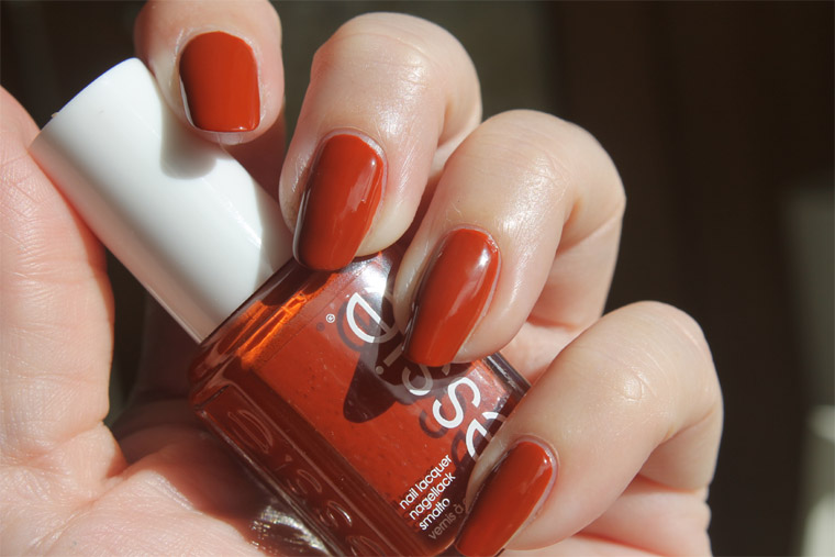 essie-playing-koi