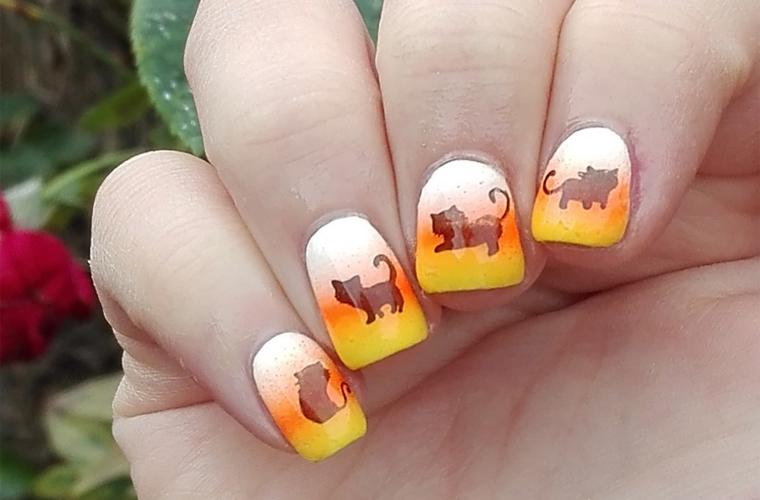nail-art-halloween-candy-corn-5